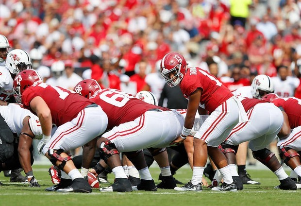 Alabama QB Tua Tagovailoa sprained ankle vs. Georgia